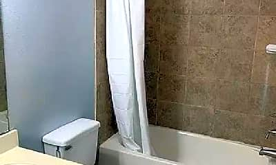 Bathroom, 1113 Saulnier St, 2