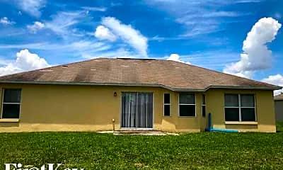 Building, 157 Oak Crossing Blvd, 2