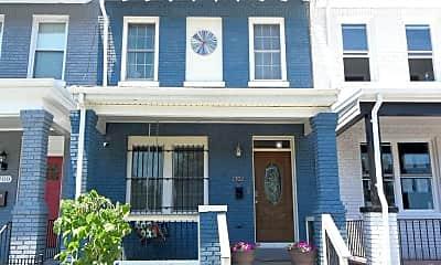 Building, 1702 Montello Ave NE, 1
