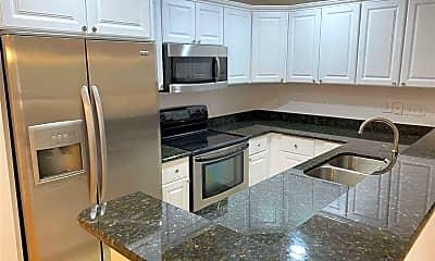 Kitchen, 1002 Kingswood Dr D, 1