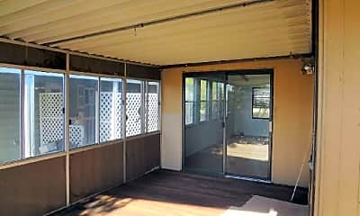 Patio / Deck, 911 N McDowell Blvd, 2