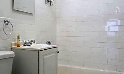 Bathroom, 1671 3rd Ave, 2