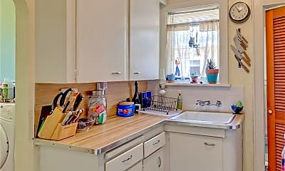 Kitchen, 2740 NW 17th St, 2