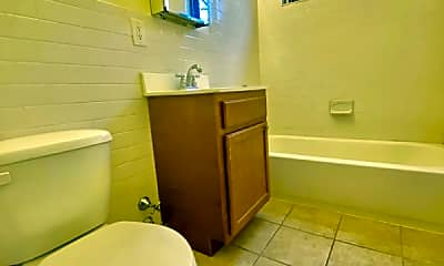 Bathroom, 165-167 Beacon Hill Dr, 2