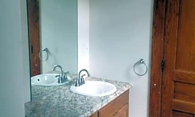 Bathroom, 76 N West St, 2