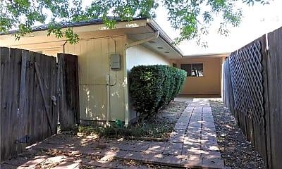 Building, 138 Shadybrook Dr, 2