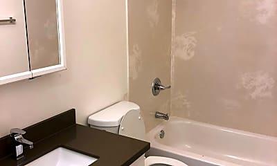 Bathroom, 1805 E 8th St, 1