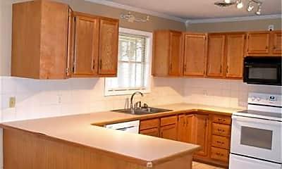 Kitchen, 318 Fairway Dr, 1