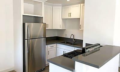 Kitchen, 6100 Woodman Ave, 1