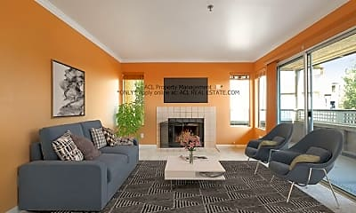 Living Room, 685 Dartmore Ln, 0