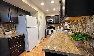 Kitchen, 10170 Ascot Cir, 1