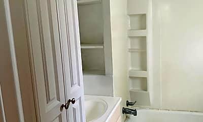 Bathroom, 1560 Kimberly St, 2