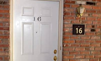 104 E Green Meadows Rd, 1