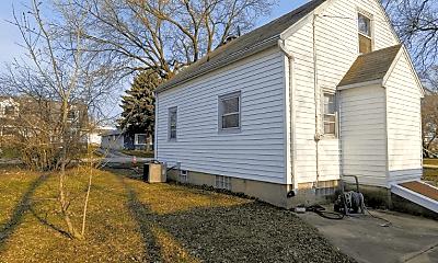 Building, 8900 W Plainfield Ave, 1