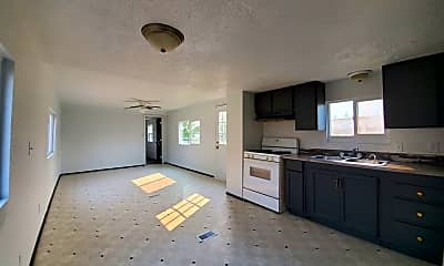 Living Room, 224 Douglas Rd, 1