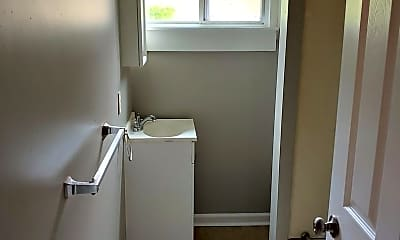 Bathroom, 271 Pearl St, 2