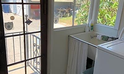 Patio / Deck, 3371 Keystone Av B, 2