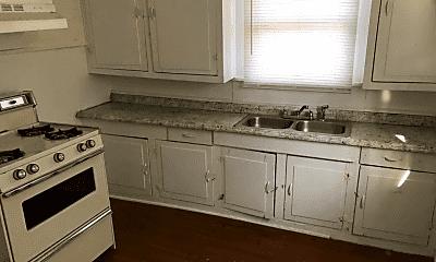 Kitchen, 907 Mississippi St, 1
