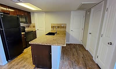 Kitchen, 4313 N 19th Ave, 1
