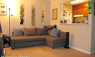 Living Room, 168 E University Dr, 0