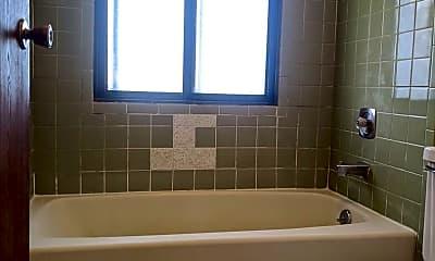 Bathroom, 9040 N 85th St, 2