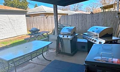 Patio / Deck, 5126 W Addison St G, 2