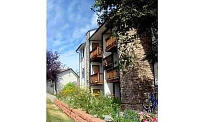 Building, Gateway Place Apartments, 2