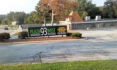 Plaza 93 West, 1