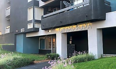 Oxnard Plaza Apartments, 1