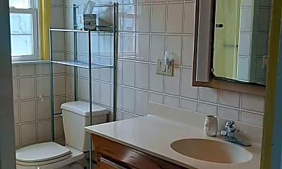 Bathroom, 13 Brown Ave, 2