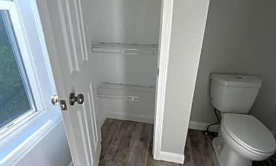 Bathroom, 114 Endicott St, 1