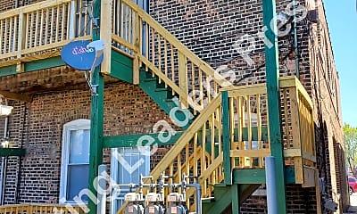 Playground, 3804 Euclid Ave 2F, 2