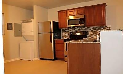 Kitchen, Maple 500 Apartments, 1