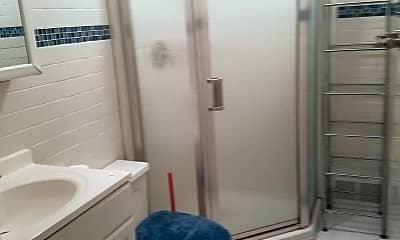 Bathroom, 14 Cedar Ave, 1