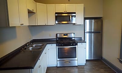 Kitchen, 611 N Perry St, 1