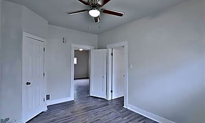 Bedroom, 866 Beech St A, 2