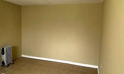 Bedroom, 3945 W Altgeld St, 1