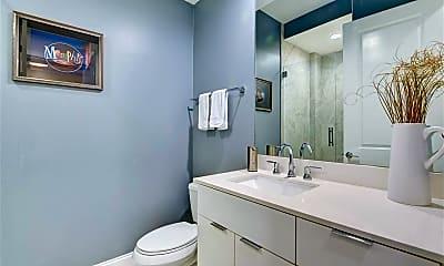 Bathroom, 717 Riverside Dr, 1