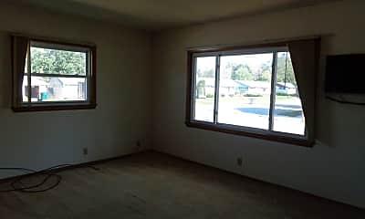 Living Room, 1349 Kewaskum St, 2