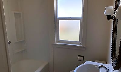 Bathroom, 515 3rd St, 2