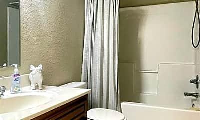 Bathroom, 1047 W Malibu St, 2