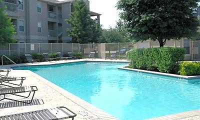 Pool, 410 N Greenville Ave, 1