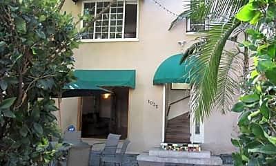 Building, 1035 North Croft Avenue, 2