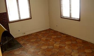 Bedroom, 1000 W Oakland Ave, 2