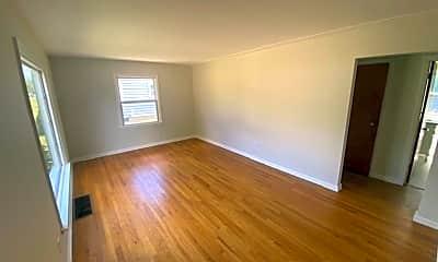 Living Room, 912 Cricklewood St SW, 2