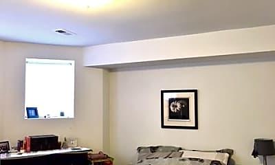 Bedroom, 1022 N Damen Ave., 1