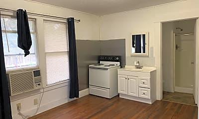 Kitchen, 923 N Heideke St, 1
