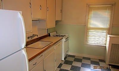 Bedroom, 302 S Mills St, 2