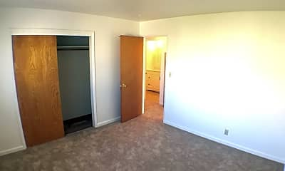 Bedroom, 683 Grand Coulee Ave, 2