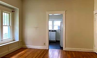 Living Room, 403 N Dunn St, 2